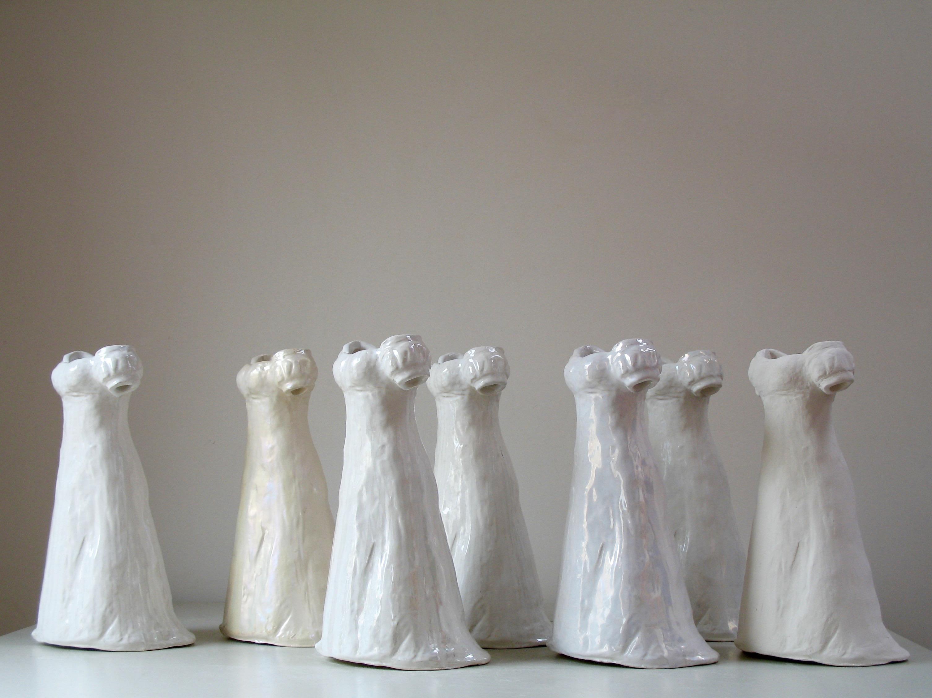 """Installation """"Procession"""", différents émaux de blancs unis ou avec décor 38x20 cm"""