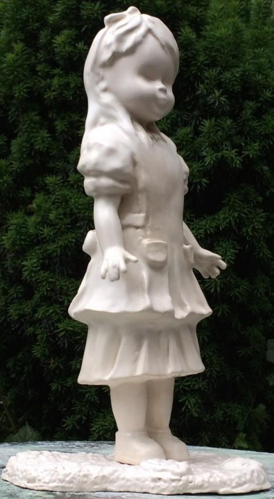 """""""Alice"""", sculpture en faïence émaillée, blanc satiné, haut 30 cm, 2014, pièce unique"""